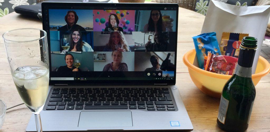 Tausche Sektglas gegen Laptop-Kamera –  das war die Verabschiedung unserer Dualis und Azubis 2020